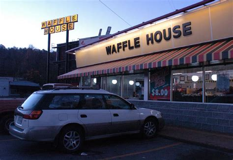 waffle house shallowford road police armed robber strikes chattanooga waffle houses times free press