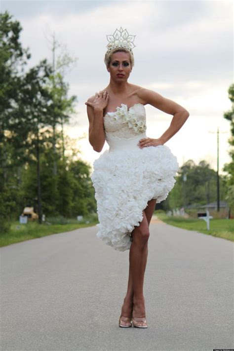 How To Make Toilet Paper Dress - toilet paper wedding dresses alldaychic