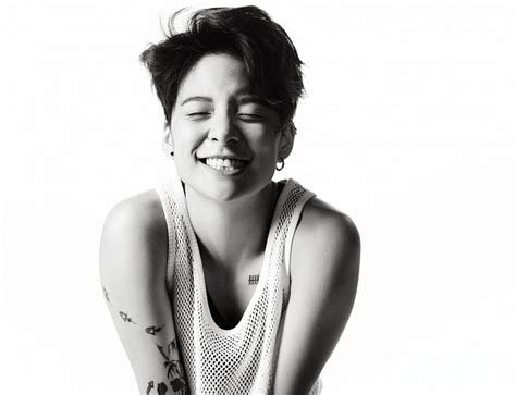 amber liu tattoo k pop liu of f x signs with steel wool