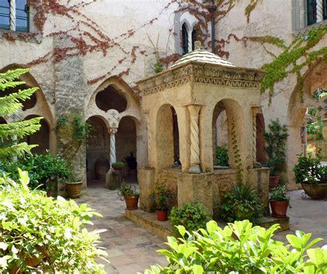 Farmhouse Style Home Villa Cimbrone Garden