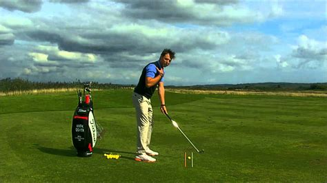 correct golf swing plane elite golf coach swing tip how to get the correct