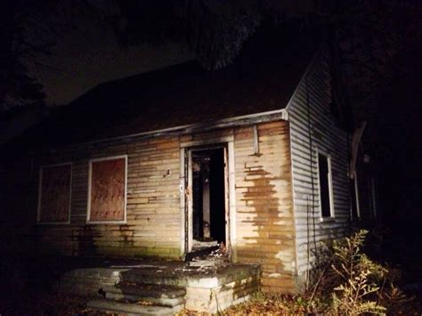 casa di eminem vecchia casa di eminem in fiamme eminem italia ufficiale