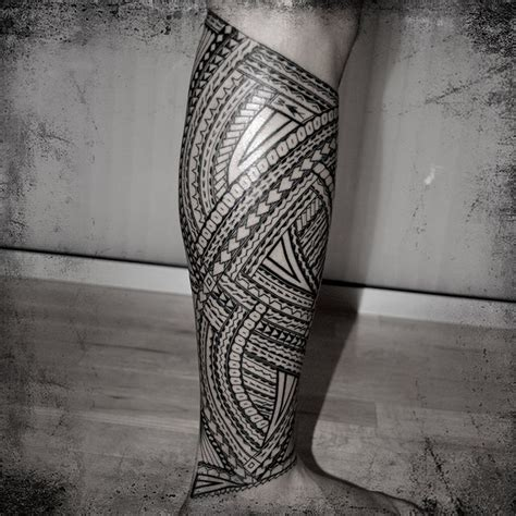 tribal footprint tattoos tribal print thigh tattoos machine lg 002 leg tatau