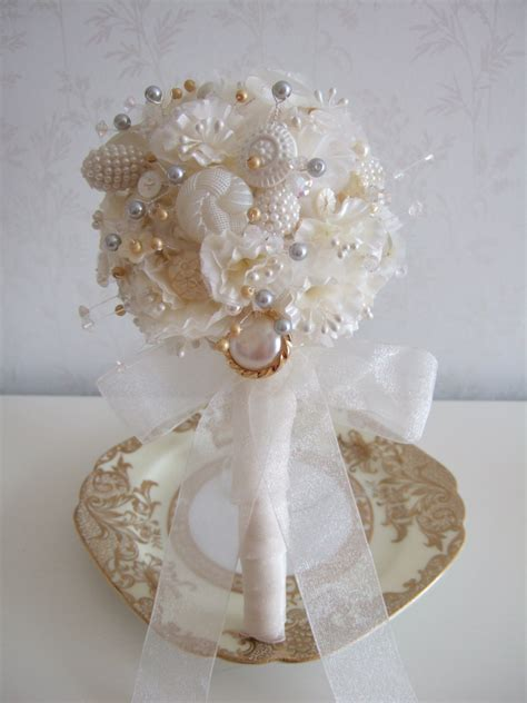 Handbouquet Goldwhite white vintage button wedding bouquet with gold and silver