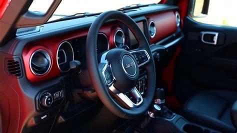 2019 jeep truck interior jeep lanza oficialmente su camioneta gladiator basada en