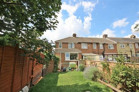 2 bedroom houses for sale in luton 2 bedroom detached house for sale in mayfield road luton lu2