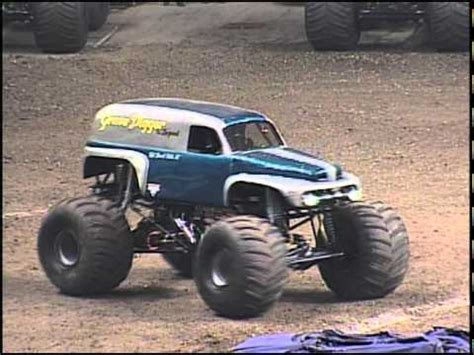 the original grave digger monster original grave digger monster truck www pixshark com