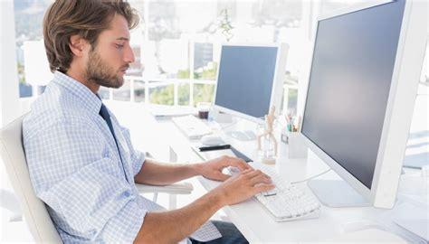 Monthly Salary Of A Computer Engineer Bizfluent Computer Help Desk Salary
