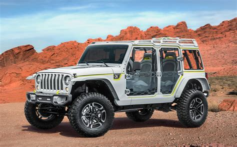 moab jeep safari 2017 jeep grand cherokee hellcat confirmed for new york show