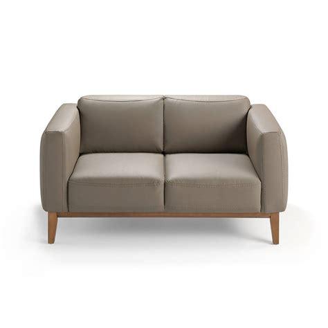 divani con struttura in legno divano 2 posti rivestito in pelle con struttura in legno