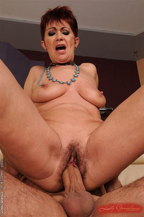 Horny Granny Got Her Very Hairy Pussy Fucked Hard Ass Point