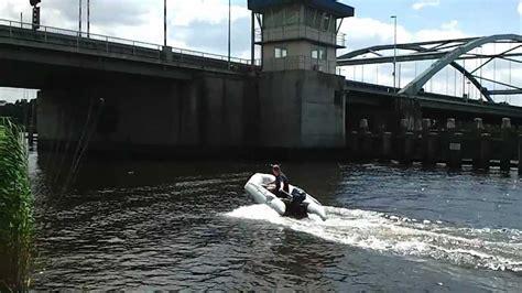 rubberboot met 4 pk motor rubberboot 320 met yamaha 4 pk bb motor youtube