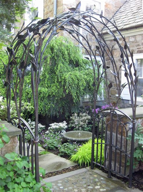 Outdoor Arbors And Trellises 1000 Ideas About Metal Trellis On Outdoor