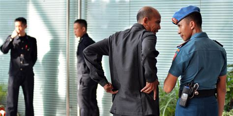 profil ajudan jokowi diduga bawa senjata ajudan kapolda metro ditinju