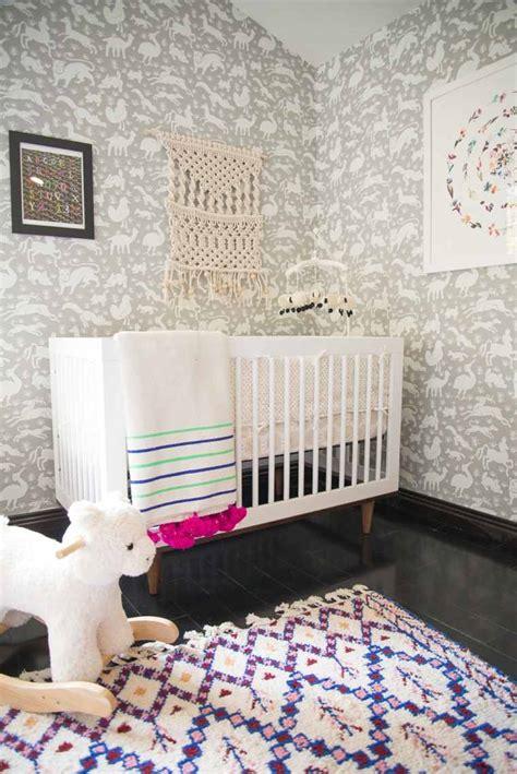idée chambre bébé fille papier peint chambre fille