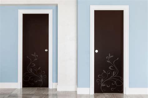 porte in legno e vetro porte per interni di design su misura in legno e vetro con