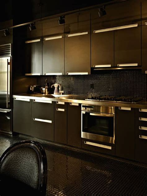 black kitchen 20 stylish kitchens that rock the black look