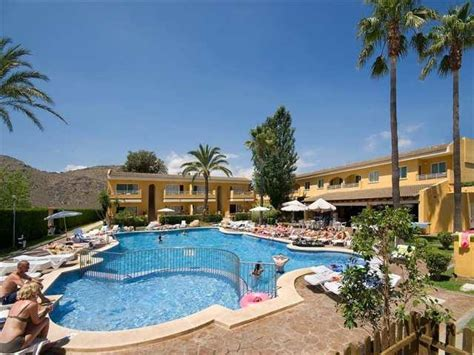 solecito apartments alcudia majorca spain book