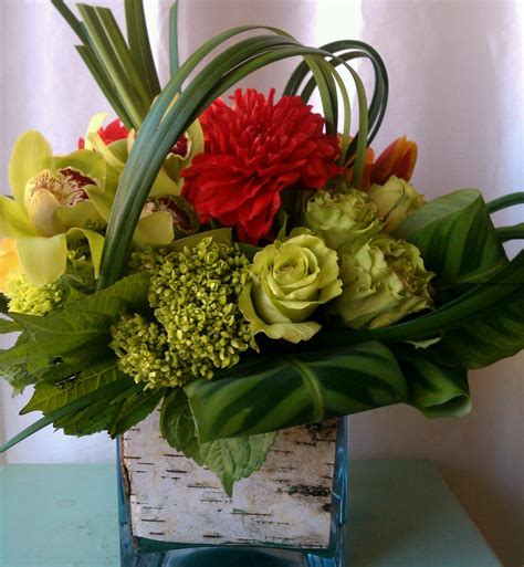 unique flower arrangements worth trying flower arrangement themes flower