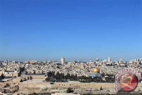 Buku Meseeem Ye Oleh Warta Kota di yerusalem peziarah muslim ikut merasakan aqsa antara