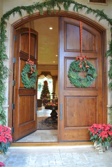 How To Hang Garland On Front Door Hanging Wreath On Arched Doors