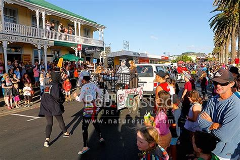 raglan annual lions new year s parade parade floats