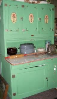 Antique Green Kitchen Cabinets cabinets on pinterest hoosier cabinet vintage kitchen and kitchen