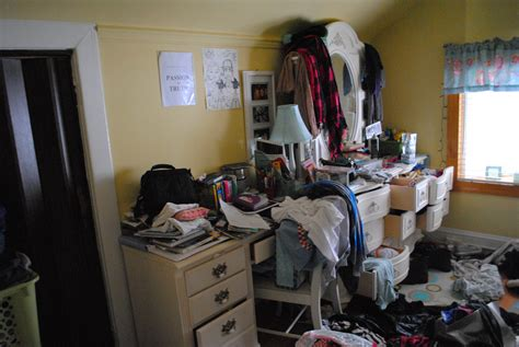 ideas for my room messy room alert tips for organization becky s blog