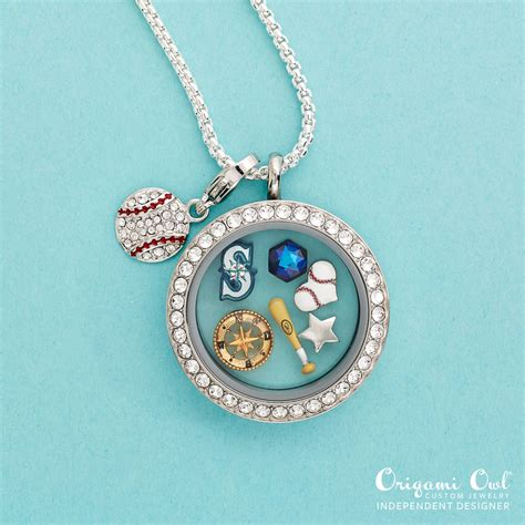Origami Owl Team - ready to root for your home team origami owl