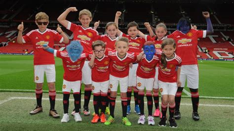 X United united mascots to represent official manchester united website
