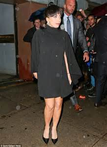 Liza Minelli Needs A New Stylist by Gaga Pays Homage To Liza Minnelli As She Mimicks