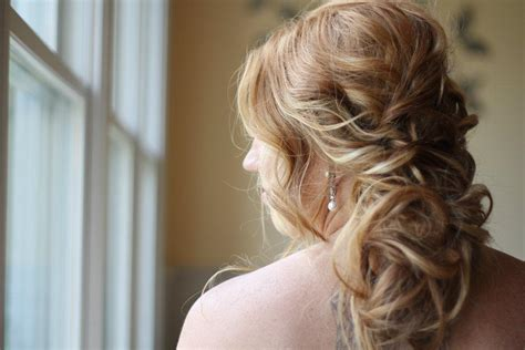 bridal updos soft waves wedding hairstyles2 onewed