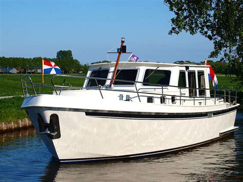 2 persoons zeilboot iris 2 4 persoons huur een motorboot huur een