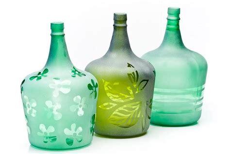 decorar un frasco de vidrio como decorar frascos y botellas de vidrio 3 ideas