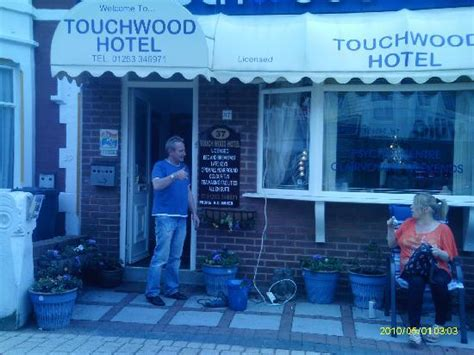 swinging hotels blackpool the bar with chris the manager picture of touchwood