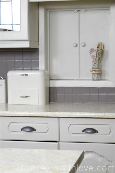 quick and easy way to paint kitchen cabinets quick and easy kitchen makeover diy painted cabinets