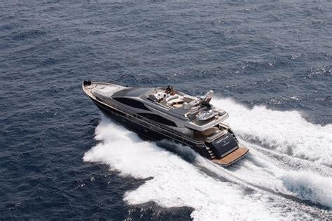motoryacht riva motoryacht riva 86 fortuna omega am charter