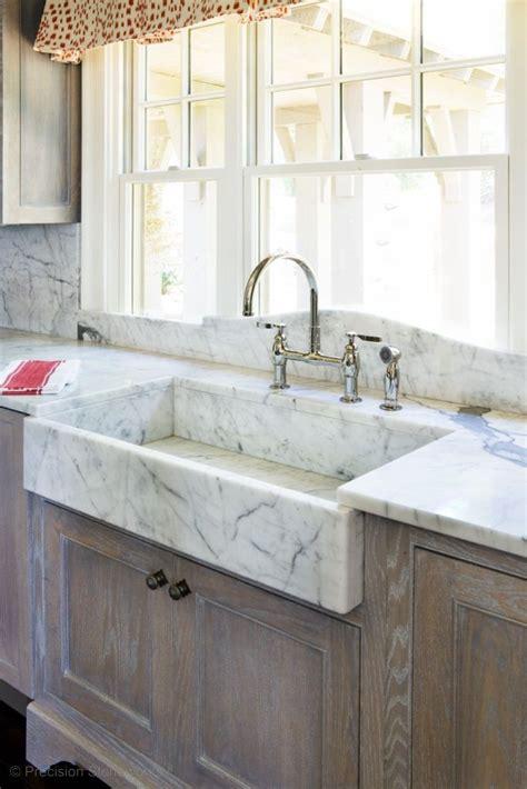 stone kitchen sinks best 25 farm style kitchen sinks ideas on pinterest