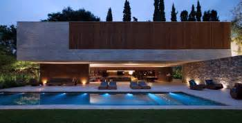 Modern Home Design With Pool Spectacular Modern House With Open Design And Adjacent Pool