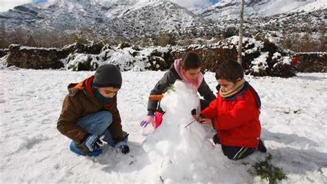 imagenes de invierno para jovenes ni 241 os en invierno imagui
