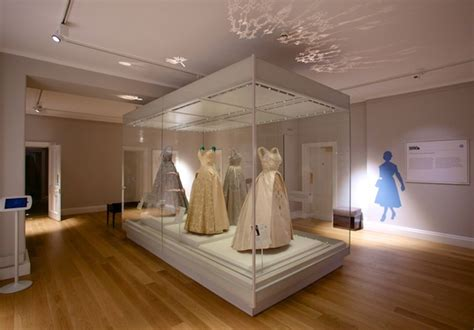 Kensington Palace Interior by Regal Fashion Rules At Kensington Palace Londonist