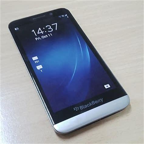 Hp Bb Z30 spesifikasi blackberry z30 harga blackberry z30 disertai spesifikasi dan review