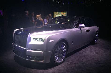 2018 rolls royce phantom unveiled in motoraty