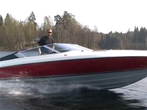 rinker boats vs bayliner arriva 2450 7 4l v8 mercruiser 400hp powerboat doovi