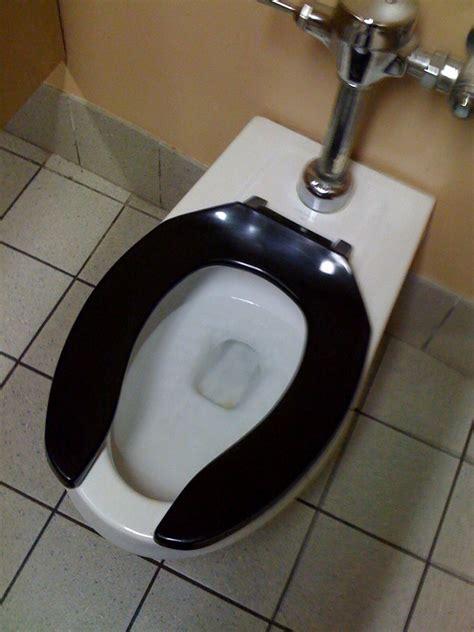 schwarze toilette digression 187 black toilet
