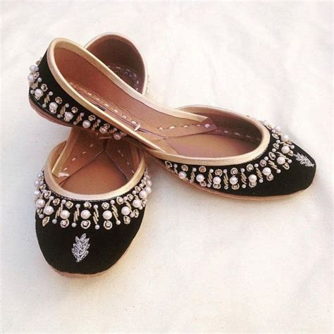 Sandal Ethnic India 17 best ideas about indian shoes on beaded