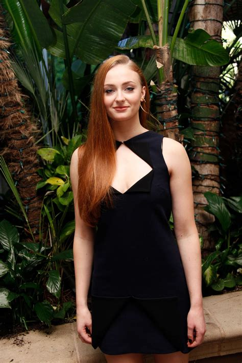 actress from game of thrones dies game of thrones starlet sophie turner wants sansa stark
