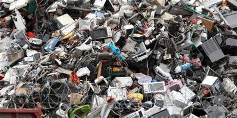 maker shows    build    waste  printer