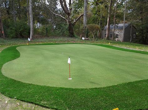 pictures of backyard putting greens synthetic turf