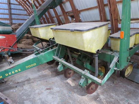 7000 Corn Planter by Deere 7000 Corn Planter 4 Row No Till For Sale Car